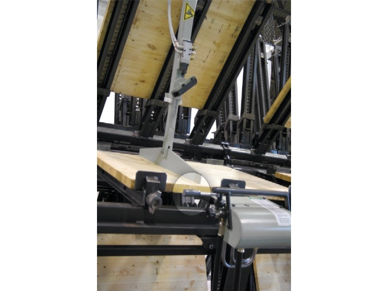 Panel Flattener and Tightening Unit