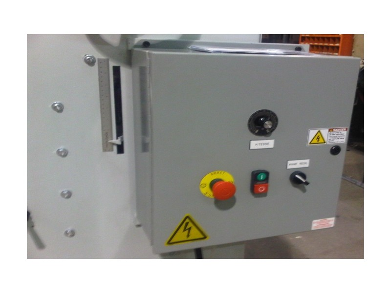 Control Panel and Thickness Adjustment