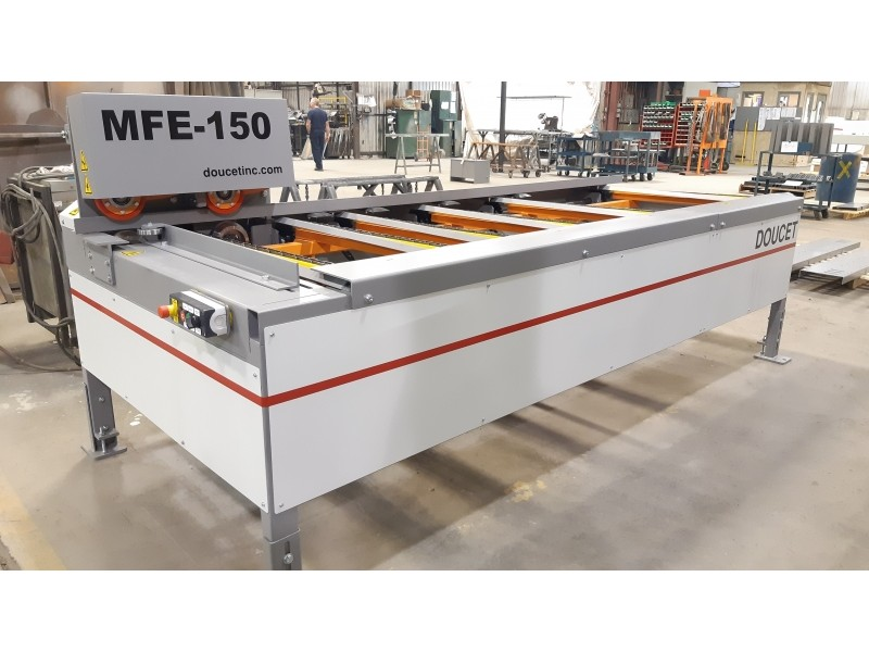 MFE-150 - Lateral Chain Feeder for Moulders