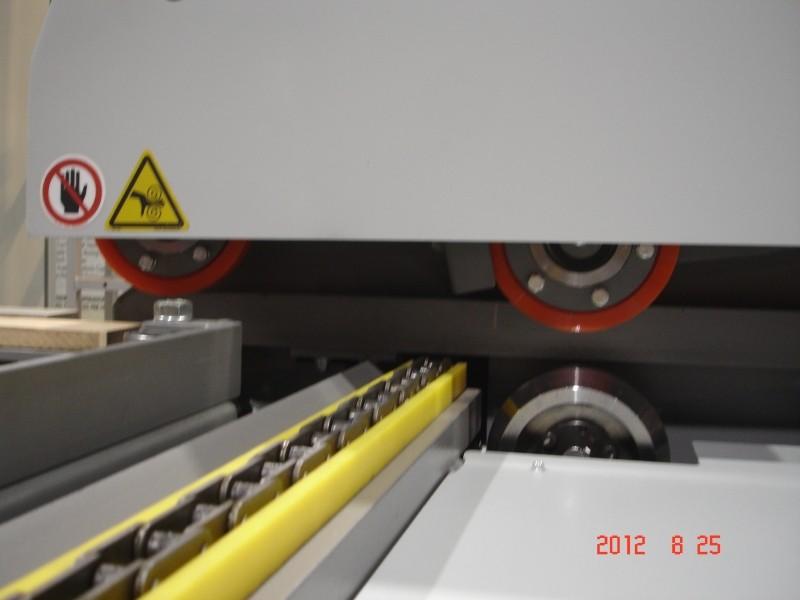 MFE-150 - Alimenteur latéral pour moulurières - Roues