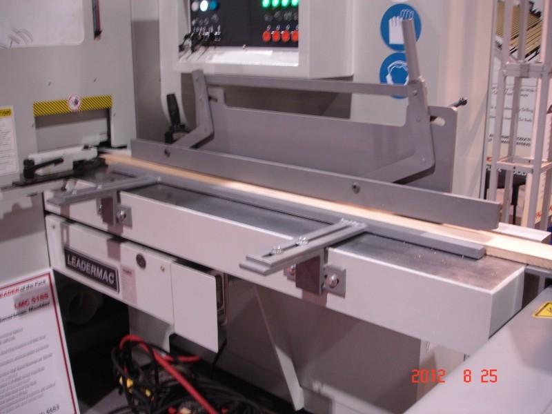 MFE-150 - Alimenteur latéral pour moulurières - Couloir-guide standard