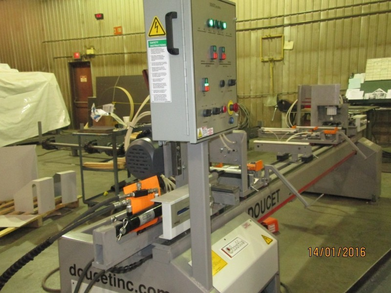 J60 - Hydraulic Double-End Boring/Chucking