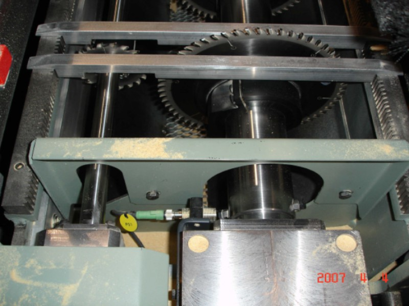 Saw chamber with scoring saw package